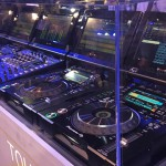 "Pioneer presenta i ""CDJ-Tour1″ e il ""DJM-Tour1″"
