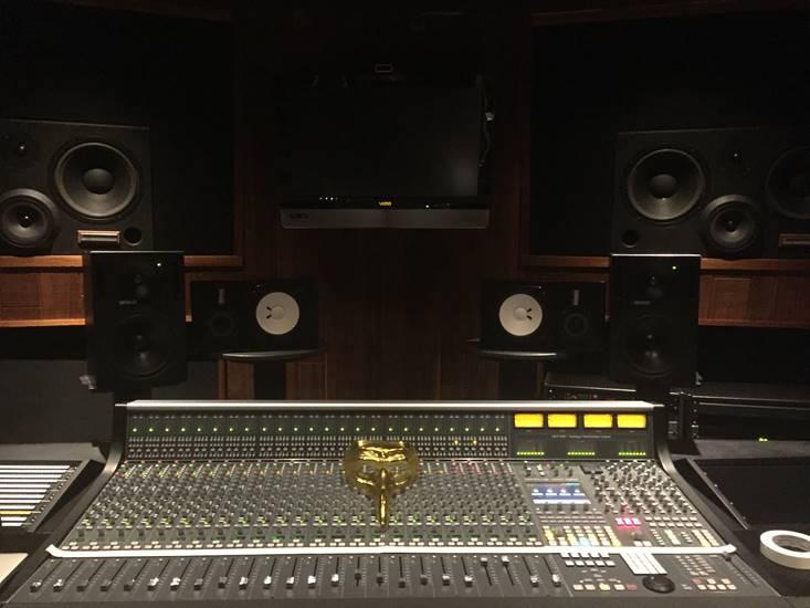 Claptone maschera in studio